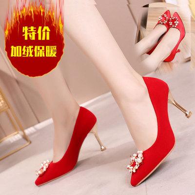 新款水晶跟绒面高跟婚鞋绸缎面料珍珠红色新娘鞋尖头舒适秀禾女鞋