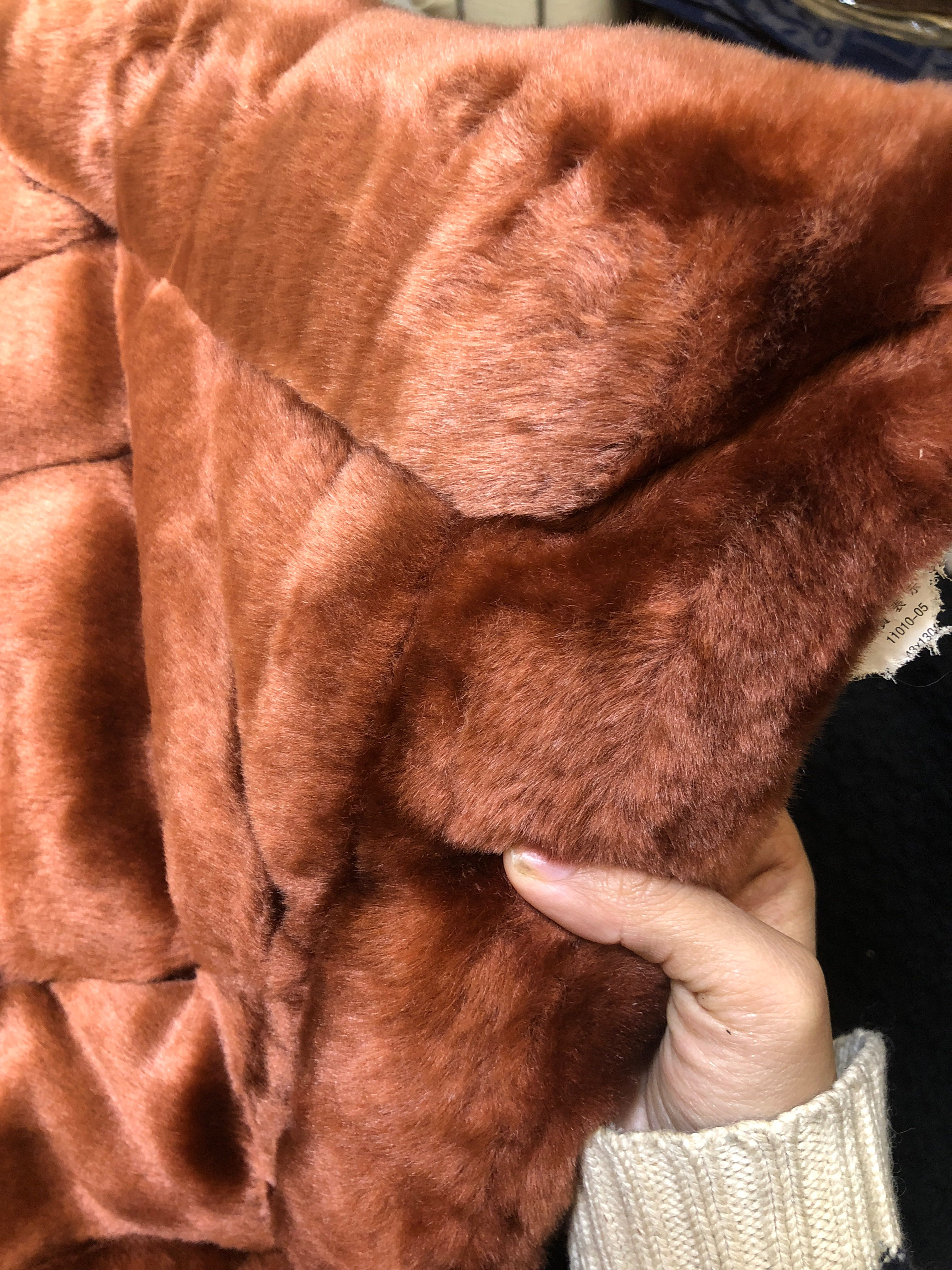 43*130拼块超柔长毛绒仿水貂mink厚椅坐垫子沙发汽车出口日本保暖