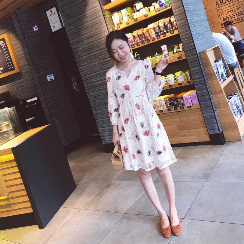 郁金香连衣裙