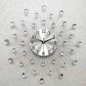 一红现代个性简约钟表客厅创意挂钟家用静音时钟时尚大气挂表