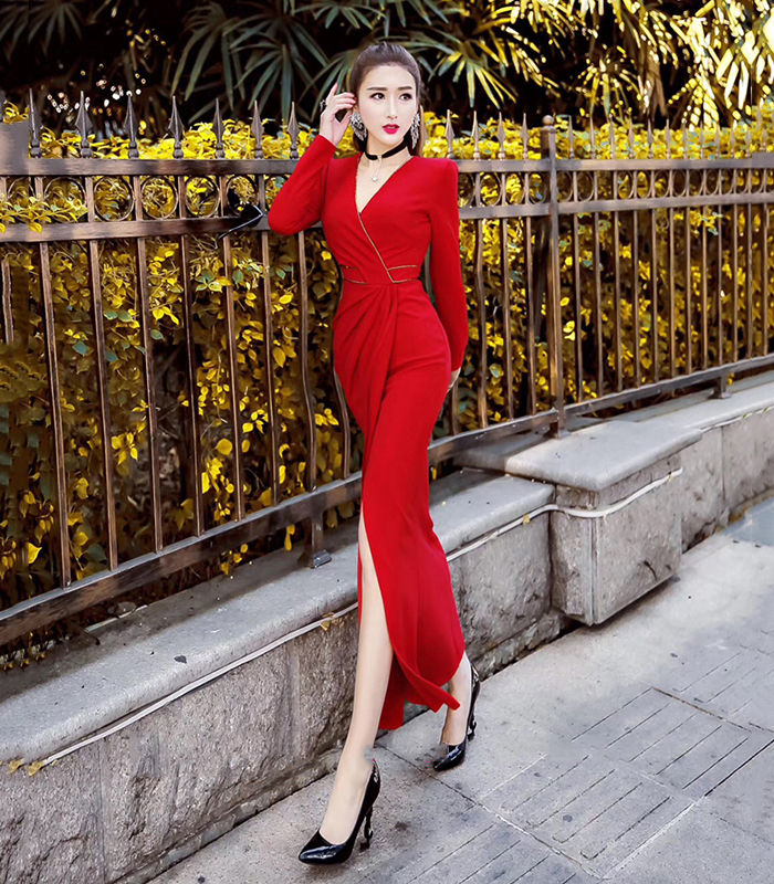 Long-sleeved dress female 2018 autumn and winter new temperament net red body slimming package hips hanging down