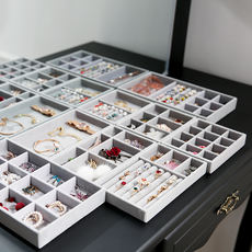 Multifunctional Jewelry Box Earrings Nail Clip Storage Box Hand Jewelry Display Tray Necklace Packing Organizer Simple