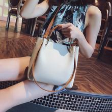 单肩包大容量水桶包 百搭斜挎包简约时尚 手提包包女2018新款 潮韩版图片