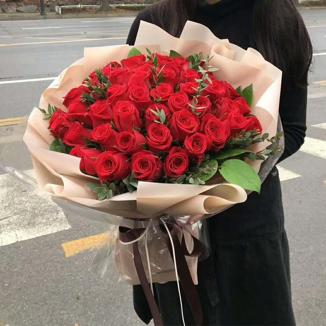 99支红玫瑰花束