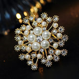 High-grade brooch atmospheric temperament pearl-encrusted diamond brooch, brooch full of stars