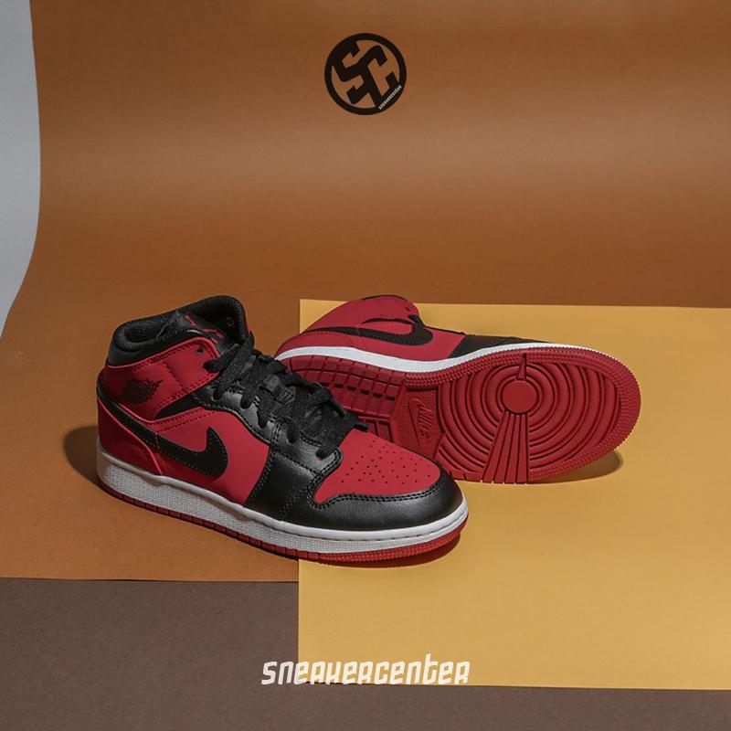 耐克篮球鞋黑
