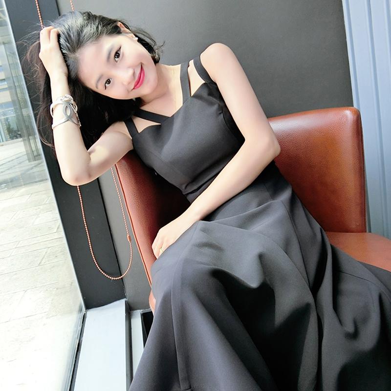 无袖纯色修身裙