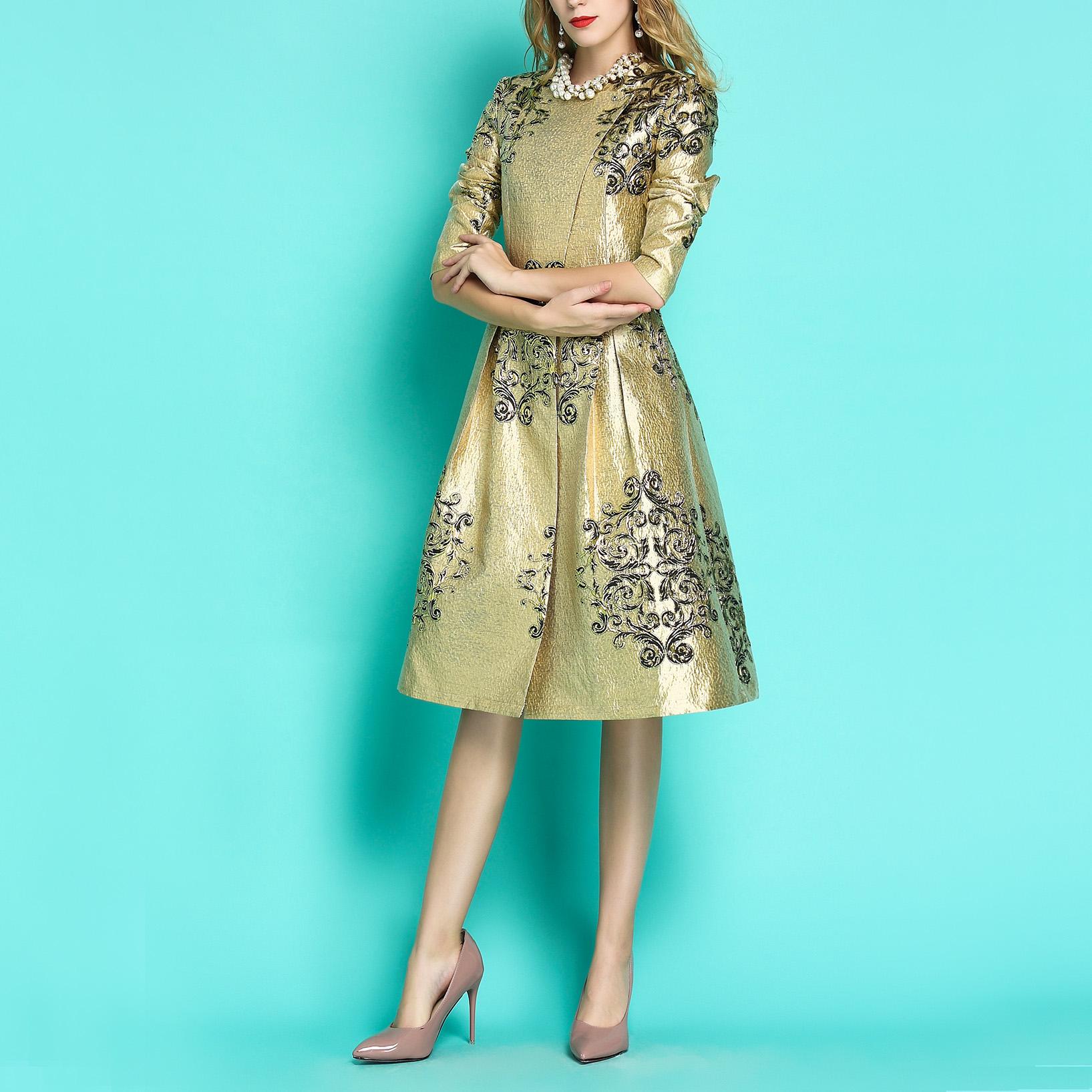 圆领连衣裙式风衣