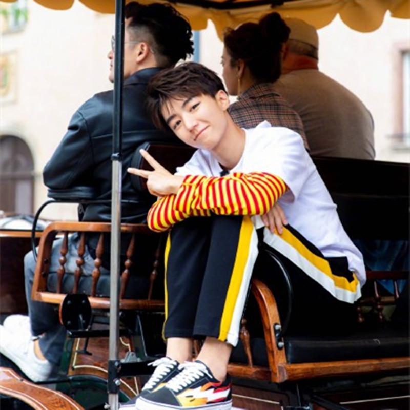2019新款王俊凯中餐厅同款衣服条纹假两件卫衣女情侣学生运动裤子