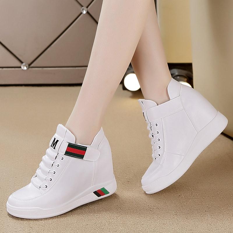 跟白色女鞋