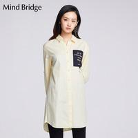Mind Bridge百家好女装修身字母撞色拼接长袖衬衫MRWS120A