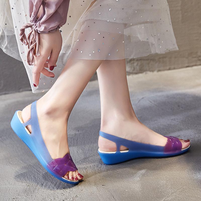2019夏季新款凉鞋女海边沙滩鞋洞洞防滑软底妈妈坡跟塑料果冻凉鞋
