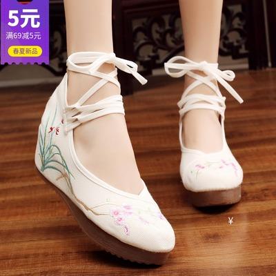 传统汉服鞋子女纯白系带梅花布鞋民族风增高坡跟老北京绣花鞋高跟