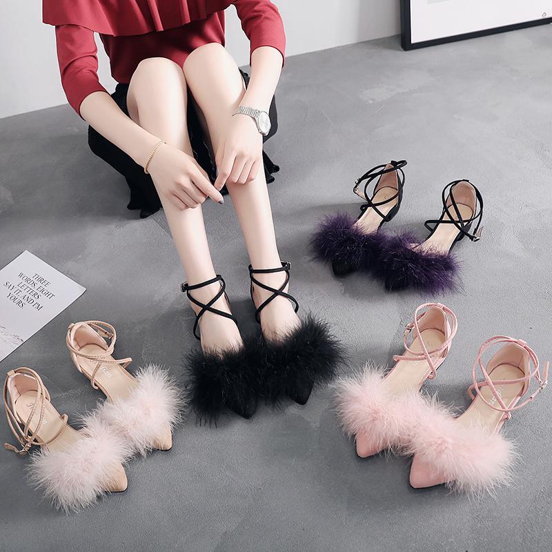 毛毛罗马凉鞋女2019新款夏小清新时尚粗跟低跟尖头仙女风网红单鞋