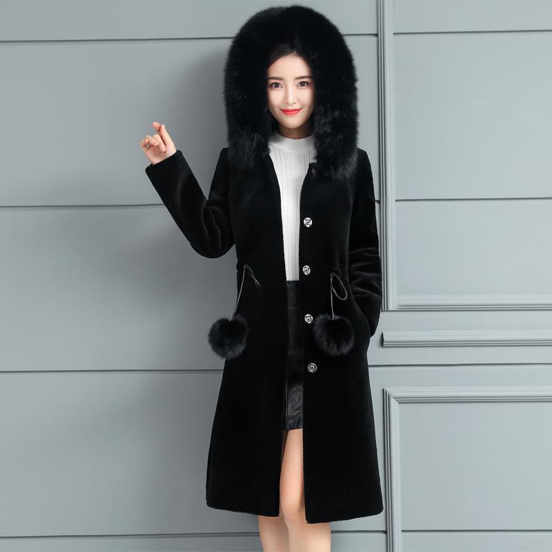 貂时尚皮外套 sheep shearing coat long fox fur collar hooded Autumn and winter new