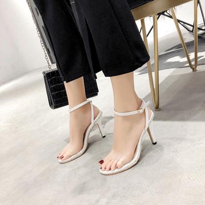 清货2018新款chic潮铆钉细跟高跟鞋性感透明一字带凉鞋女夏季女鞋