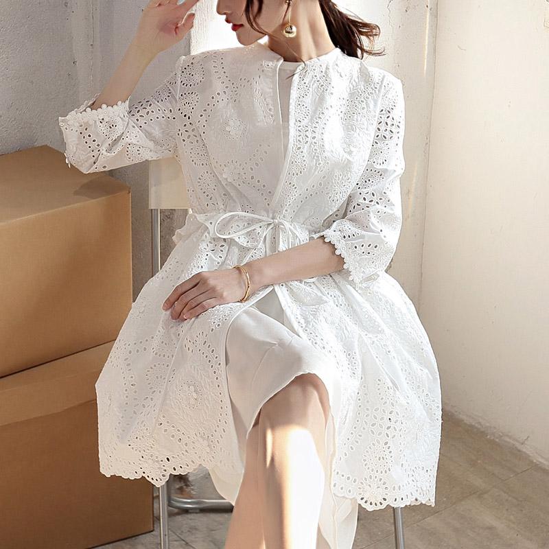 蕾丝刺绣风衣