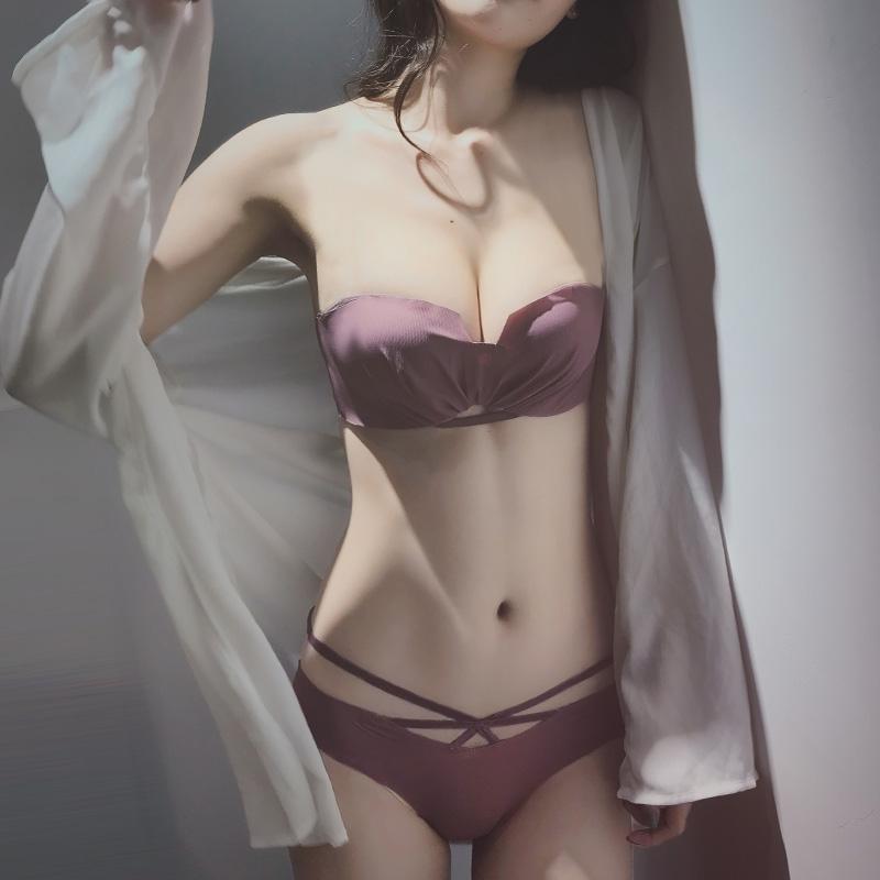 无肩带文胸聚拢防滑内衣套装性感无钢圈夏季一字肩小胸罩中厚少女