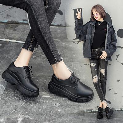 秋季韩版厚底黑色松糕鞋平跟学生女鞋简约百搭坡跟皮鞋光板增高鞋