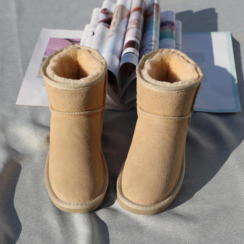 短款短筒雪地靴