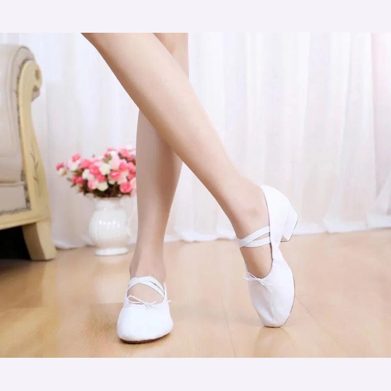 成人儿童舞蹈鞋女真皮软底教师鞋带跟芭蕾舞鞋猫爪民族瑜伽练功鞋