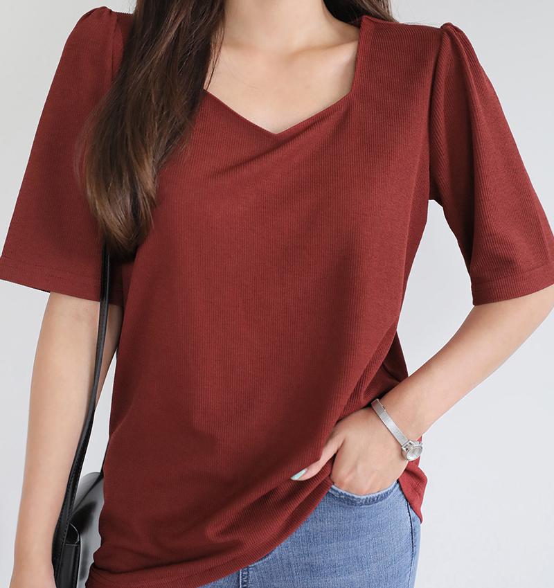 韩国大码夏装2019大码花型领口显瘦净面时尚百搭基础款短袖T恤特5