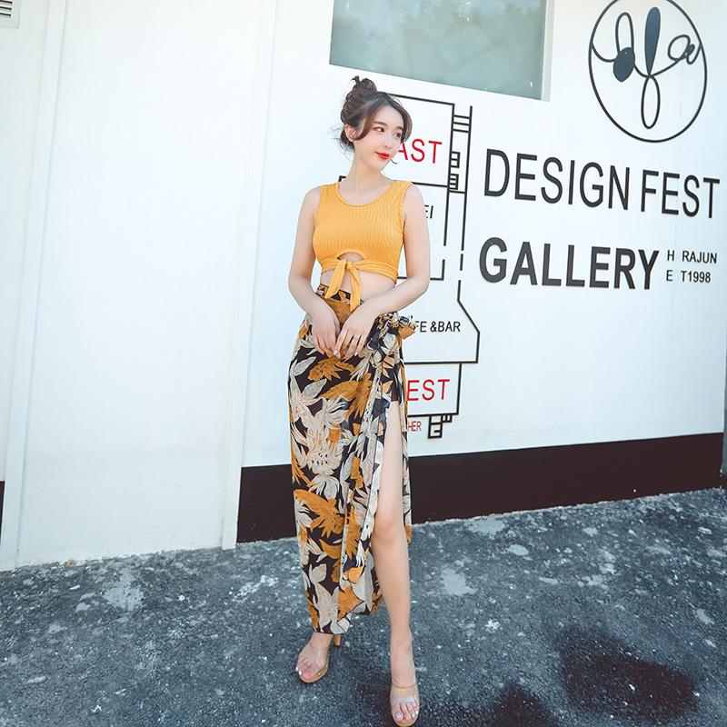 姜黄色泳衣女三件套韩国温泉性感保守显瘦小胸聚拢长裙沙滩游泳衣