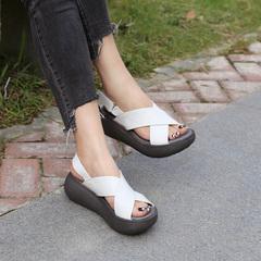 民族复古女鞋 夏松糕底休闲鞋 宽松露趾坡跟 女凉鞋 复古宽松凉拖