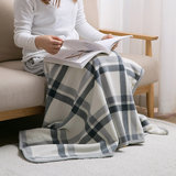 Home double-sided velvet shawl air-conditioned flannel small blanket office cover leg blanket single nap cloak
