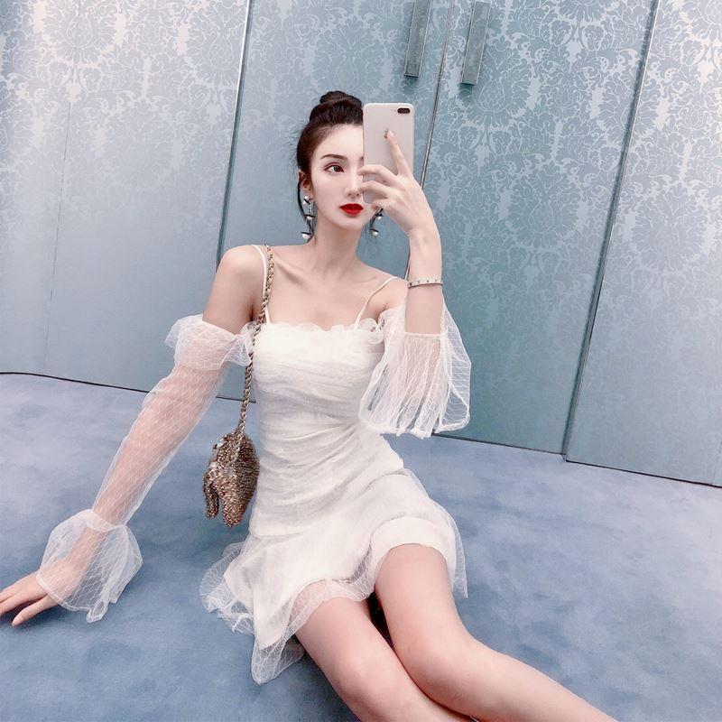 一看就很乖的性感网纱白色超仙裙仙女裙子一字肩吊带连衣裙女夏