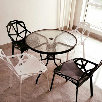 小玻璃圆桌椅组合实体店