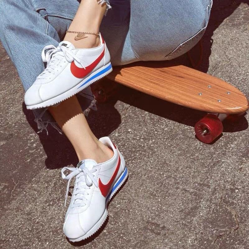 耐克女鞋 CLASSIC CORTEZ 休闲鞋元年红白阿甘鞋运动鞋904764-103