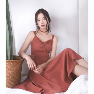 COTRE 独立设计 砖红色 肩带复古收腰 V领吊带连衣裙女中长款夏
