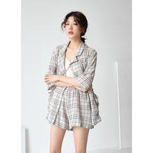 红人馆格子套装女春装2018新款韩版bf长袖西装外套短裤两件套1899