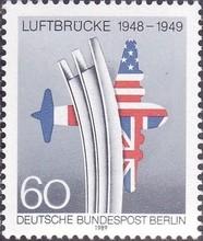 德国西柏林邮票1989邮票 柏林空中走廊40周年 援助 国旗 飞机 1全