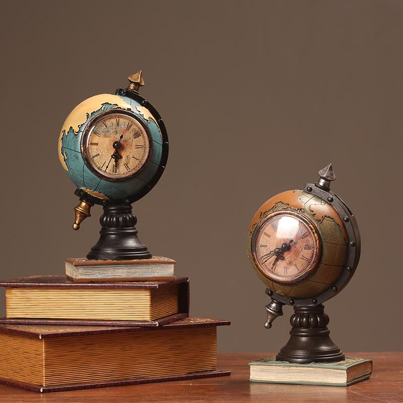 客厅钟表饰品