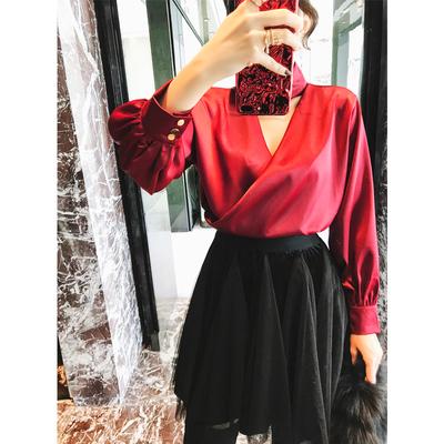 米尺2018新款女装秋装欧美复古丝滑V领上衣女性感显瘦缎面衬衫