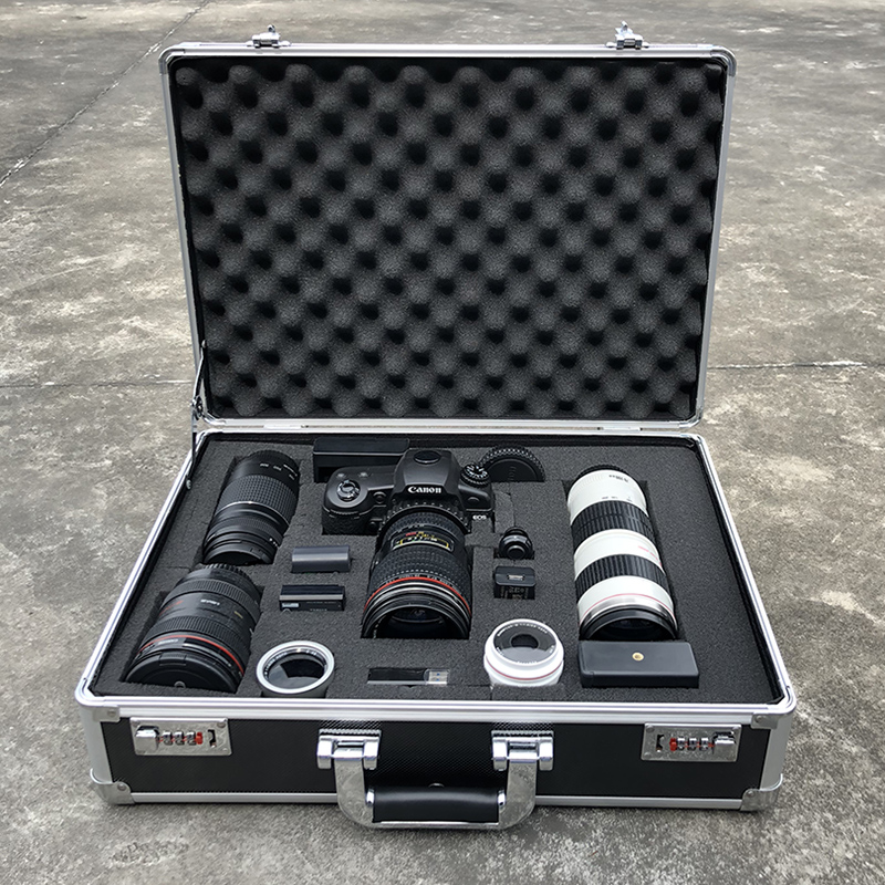 防震安全收纳单反相机箱子防护数码镜头防潮箱摄影器材行李箱小号