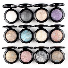 Monochromatic pearlescent eye shadow, earth color studio, makeup artist, white, gloss, gloss, blue, purple, red, green, green.