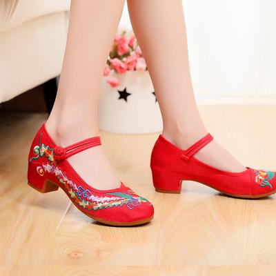 新款广场舞蹈鞋女老北京布鞋民族舞秧歌舞跳舞鞋四季增高红绣花鞋