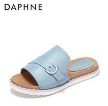 Daphne/达芙妮专柜正品女鞋 夏休闲圆头平底凉拖时尚搭扣珠饰露趾图片