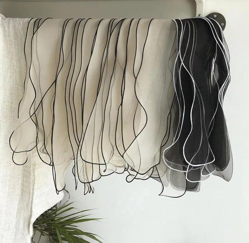 黑白款丝巾