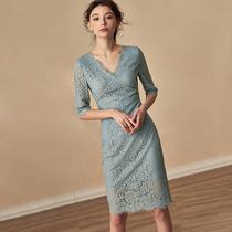 蕾丝连衣裙2019春夏新款气质雾蓝色修身显瘦中长款有女人味的裙子