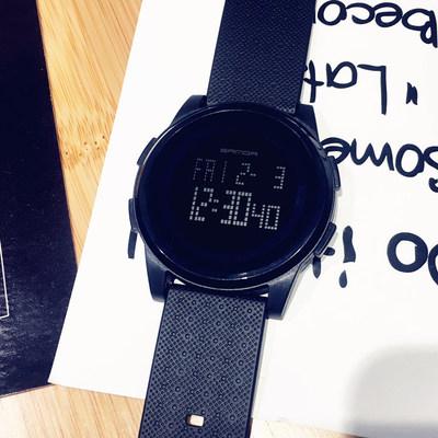 潮流韓版簡約運動男女手表時尚電子表數字式防水夜光超薄學生手表66大促