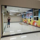 郑州贴墙瑜伽镜穿衣镜家用舞蹈镜健身房大镜子定制大尺寸全身镜