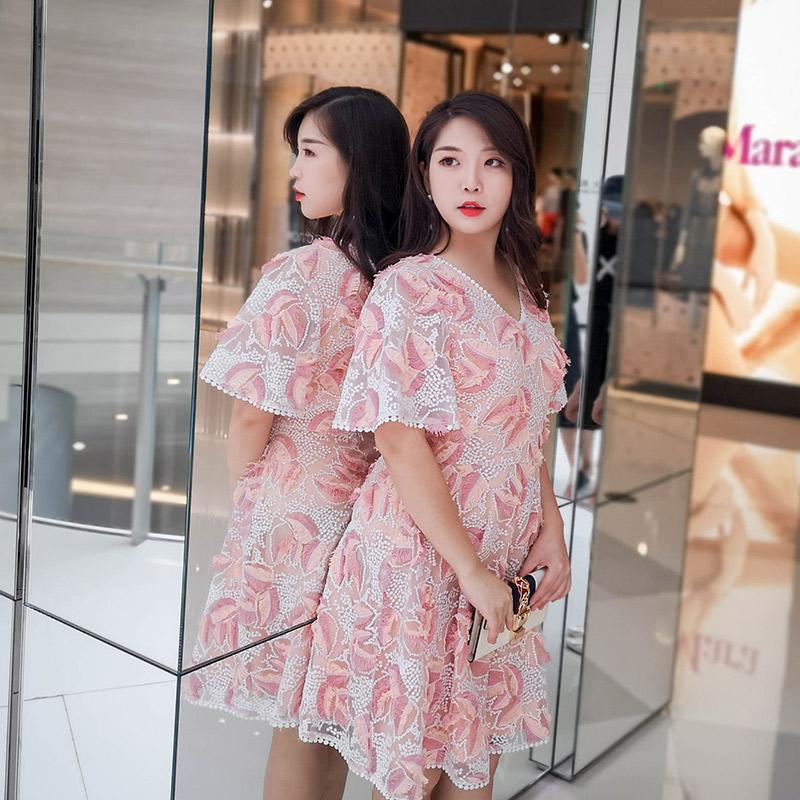 辣妈起义大码女装夏装2019新款短袖短裙胖mm刺绣流苏网纱连衣裙