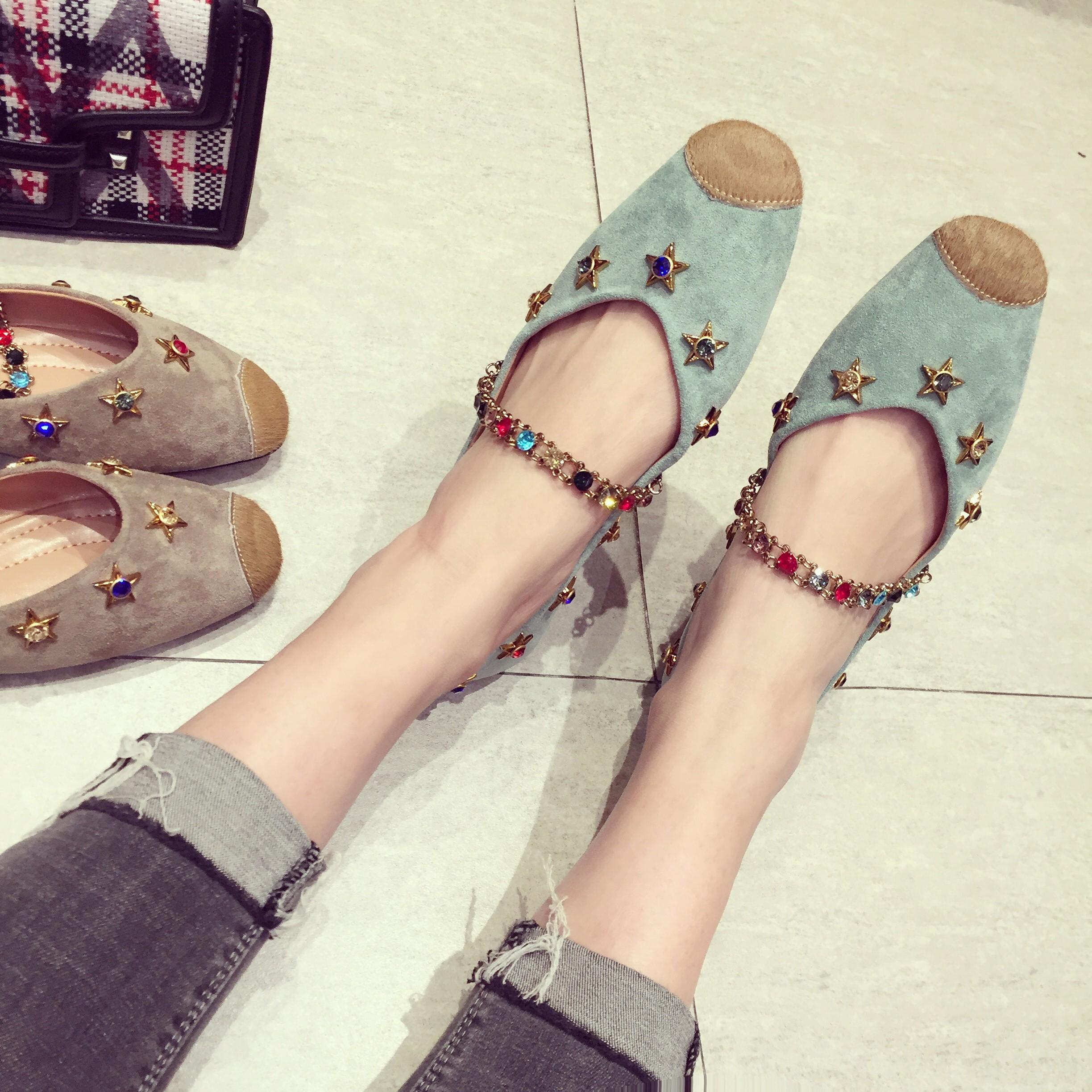平底鞋彩钉单鞋