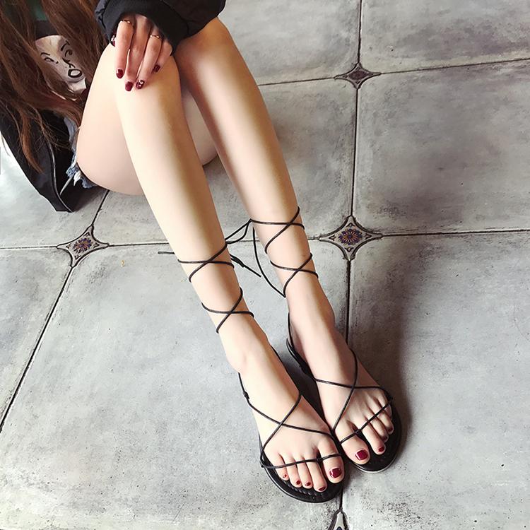 女士带鞋子
