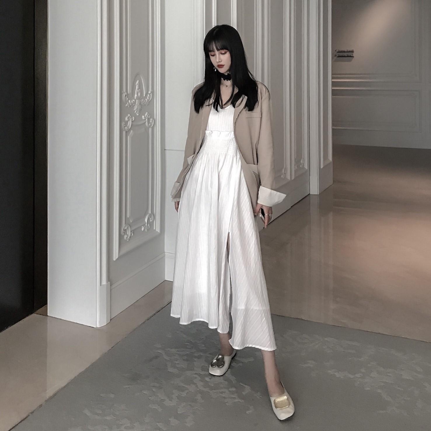 JIANGJIANG 白色大裙摆高腰吊带连衣裙大开叉小性感法式少女长裙图片