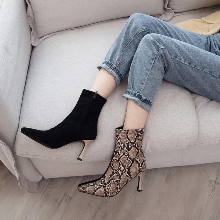 新款欧美蛇皮纹短靴拼接鸳鸯靴网红同款细高跟靴女真皮方头马丁靴
